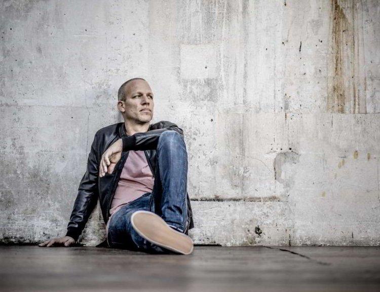 clanek_V Brně se vystřídají Avishai Cohen, Stingův bubeník i Bowieho saxofonista