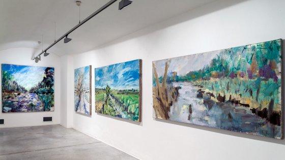 clanek_Čím větší formát, tím větší jízda. Herec a malíř Tomáš Bambušek dává českým krajinkám světový ráz